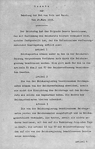 https://upload.wikimedia.org/wikipedia/commons/thumb/d/de/Erm%C3%A4chtigungsgesetz_1933-03-24_Blatt_1.jpg/309px-Erm%C3%A4chtigungsgesetz_1933-03-24_Blatt_1.jpg